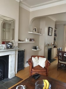 Lovely North London garden apartment minutes from Hampstead Heath