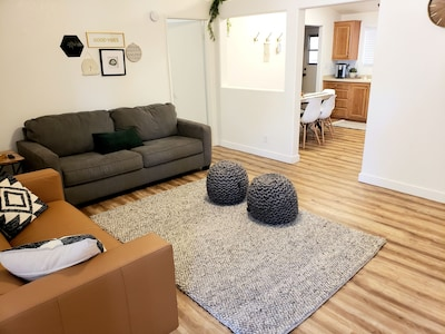Come stay at our comfy, cozy, NEWLY RENOVATED home in the Ivins, UT!