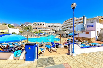 1 bdr apartment with heated pool, close to the beach, Complex Garden City