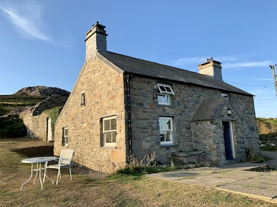 Lower Porthmawr cottage