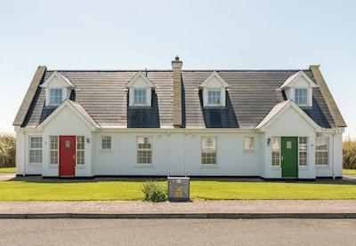 Ballybunion Holiday Cottage No. 7, Seaside Holiday Accommodation in Ballybunion, County Kerry