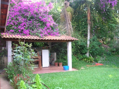 charmosa chacara para temporada,perto de Sao Paulo,acomoda familia com crianças