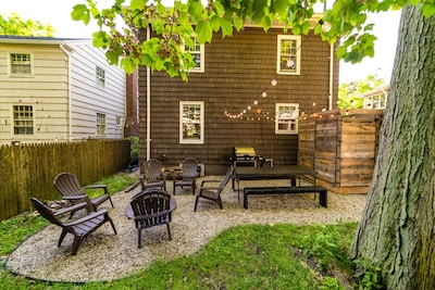 Private patio w/outdoor shower, dining table for 8, fire pit, and grill!