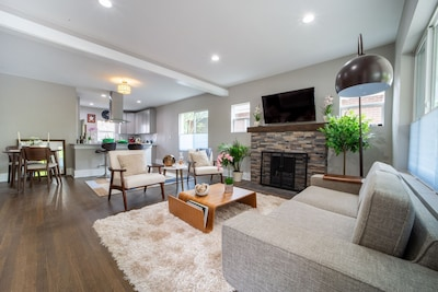 Open floor plan that is perfect for entertaining