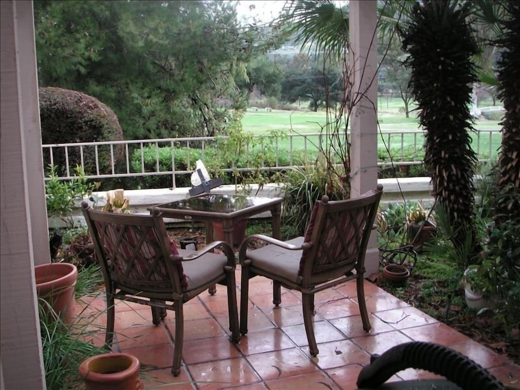Cool Summers Warm Winters On 18 Hole, Patio Furniture Escondido