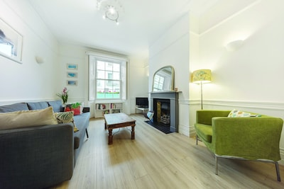 3 Bedroom Apartment in Westminster (5 minutes walk from Victoria station)