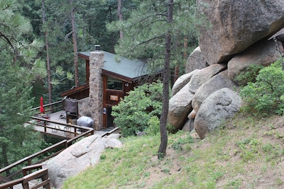 Nestled in the Pines, Firs, Aspen and boulders!