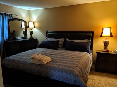Doctor's Lounge - An Executive Home in Niagara