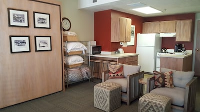 Cute Studio!  Great for a couple or 2-4 people or family of 4, 2 beds in studio