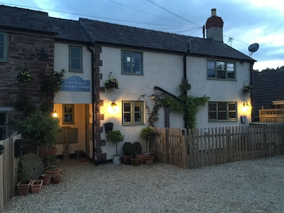 Christmas Cottage Beautiful Two Bedroom Vintage Village Country Cottage Awre