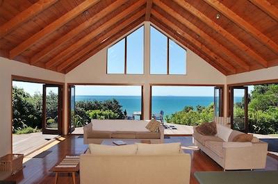 Amazing views and indoor-outdoor flow