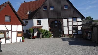 Unser Haus mit Ferienhausbereich