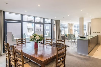 Spacious open plan living,dining and kitchen make this apartment perfect for entertaining