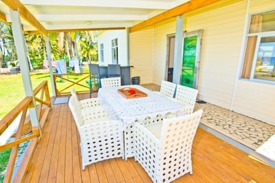 Veranda table andamp; chairs