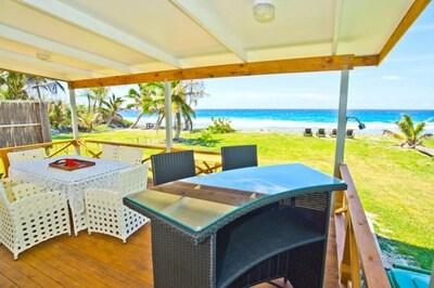 Your very own bar overlooking the ocean