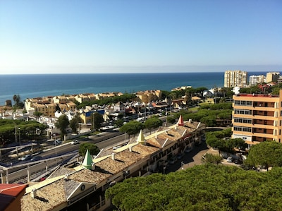 Apartment with wonderful views in Calahonda near the beach