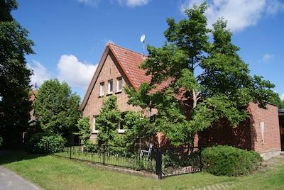 Haus Sakowski - Straßenansicht