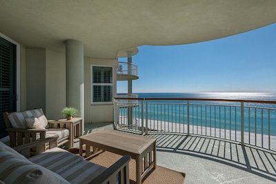 Gulf front balcony with panoramic views