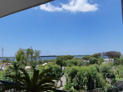 Ampio e Panoramico Appartamento a 100 mt dalla Casina Vanvitelliana