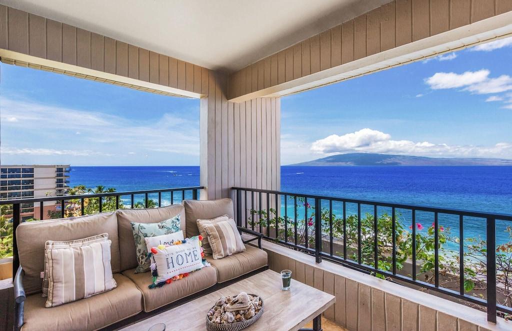 Maui condo balcony with ocean view
