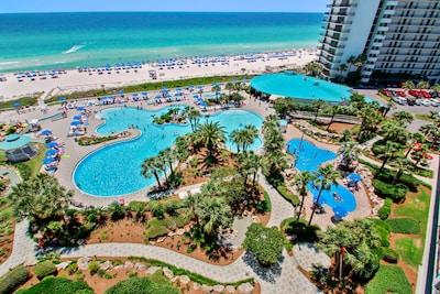 Take a dip in the resort's onsite pools, hot tubs, and kiddie splash pad!