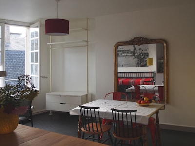 C'est prêt, tu mets la table?