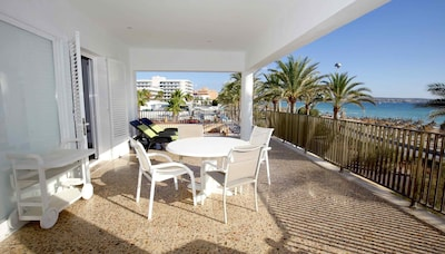 Great first line apartment right on the Playa de Palma