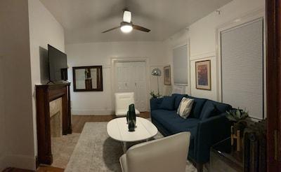 Living room, high ceilings, beautiful decor