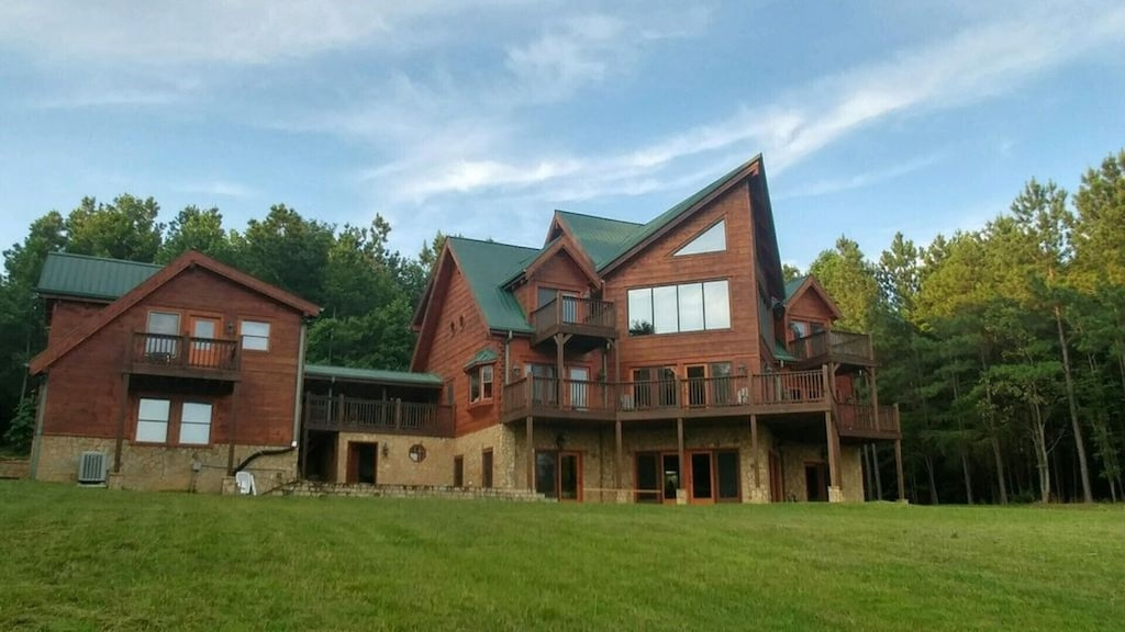 Sunset Bluff Cabin Has It All 6 Bedroom 5 Bath 2 Kitchens Game Room More Rock Island
