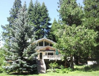 Distinctive, Elegant, Comfortable LAKEFRONT Home *  Postcard Pretty Location