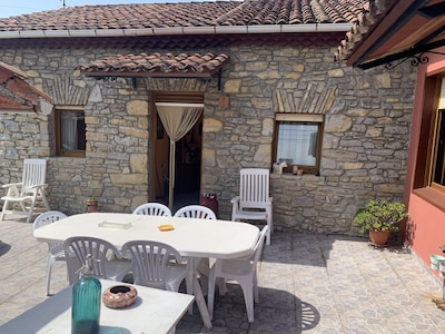 La Sosiega. Encantadora casa de piedra. Alquiler íntegro. Conexión wifi.