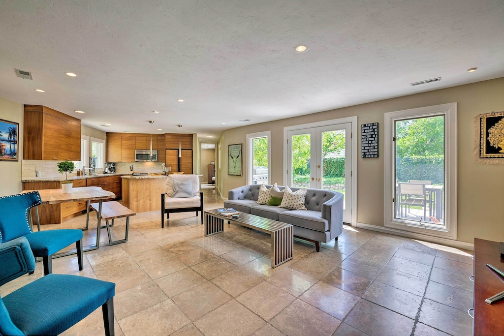 Bring up to 12 guests to this charming Salt Lake City vacation rental house!