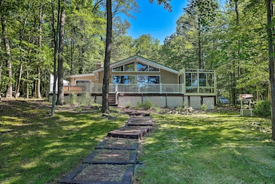 This vacation rental home is located within Gold Key Lake Community.