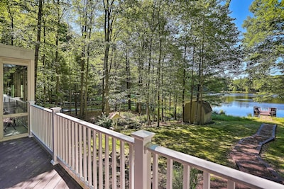 Head to Milford, Pennsylvania for a relaxing lakeside retreat.