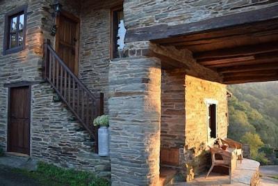 Torre da Homenaxe do Castelo de Lemos, Monforte de Lemos, Galicia, Spain
