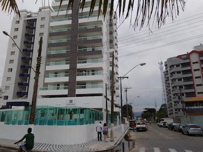 """Apto Brisa do Mar  """"PRÉDIO DE FRENTE AO MAR C/ PISCINA"""""""