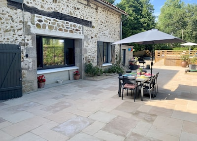 Fully enclosed, private garden and 3 bedroom Gite