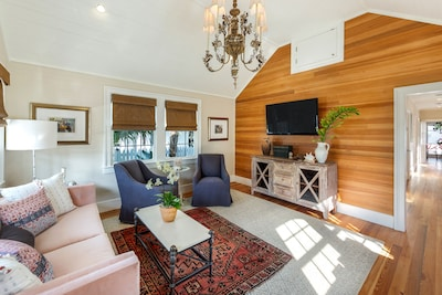 Enjoy the upscale Key West vibe in this home!