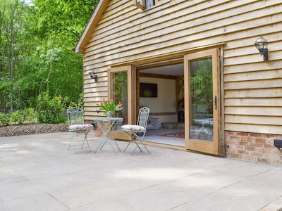 Beautiful, spacious cottage in peaceful location of the Sussex Weald