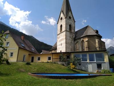 Ferienhaus mit Laurentikirche und Pool, kein Photoshop-Bild ;-)
