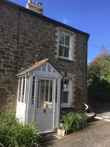 Stunning 2 bedroom cottage in quiet hamlet, close to Polzeath and Port Isaac