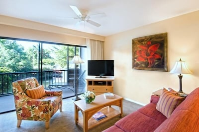 ENJOY THE WAVES! LOVELY 2BR FAMILY SUITE, TENNIS, BALCONY, POOL OPEN