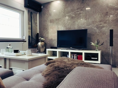 Living - Room (TV,Air-Conditioning,PS3,)