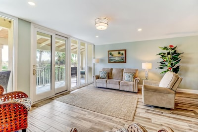Family room with view of ocean