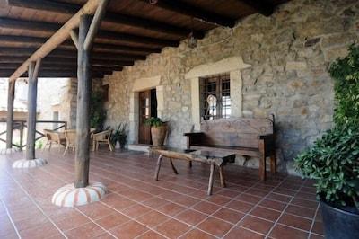 Casa rural (alquiler íntegro) La Roana para 10 personas