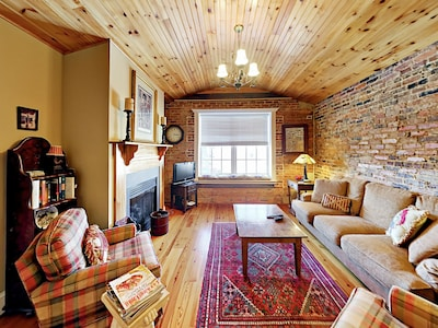 Living Room - Welcome to Waynesville! Your condo is professionally managed by TurnKey Vacation Rentals.