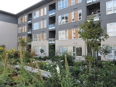 Brand-new condo with gorgeous views on Burnaby Mountain - **JULY DISCOUNT**