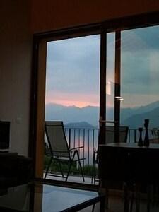 Dawn on lake Como