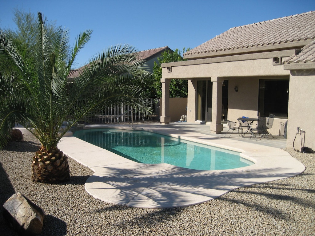 Spacious Sun City Grand Home With Private Swimming Pool And Heated Spa Surprise
