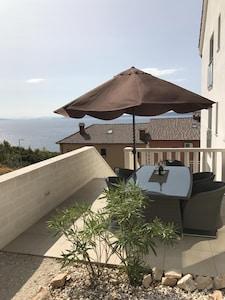 Schöne Terrasse mit gutem Ausblick